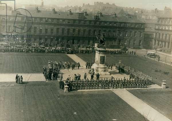 Eldon Square War Memorial on St George's Day, Newcastle, UK, 1925 (b/w photo)