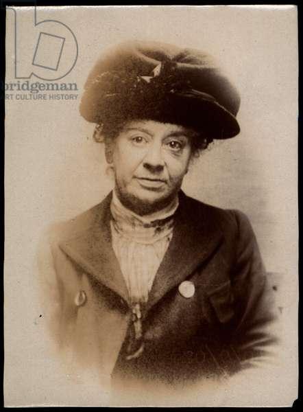 Elizabeth Dawson, dressmaker, arrested for pawning customers' skirts, North Shields, UK, 1907 (b/w photo)