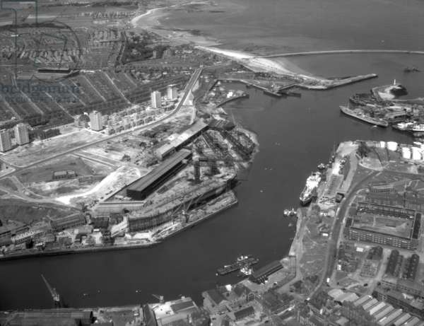 Aerial view of the North Sands shipyard of J.L. Thompson & Sons, Sunderland, Tyne and Wear, UK, July 1964 (b/w photo)