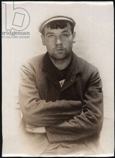 Robert Jackson, charged with loitering for the purpose of committing a felony, North Shields, UK, 1907 (b/w photo)