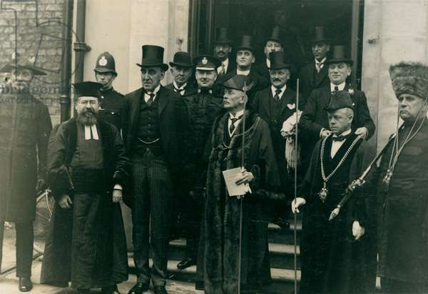 Consecration of Ravensworth Terrace Synagogue, Newcastle, UK, 1925 (b/w photo)