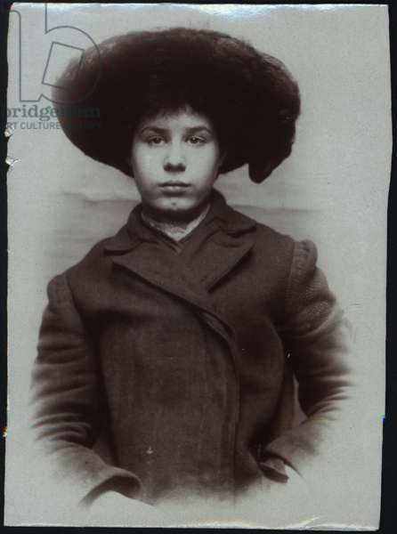 Alice Maud Marr, arrested for stealing door mats, North Shields, UK, 1907 (b/w photo)