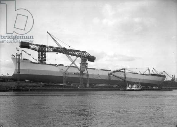 The bulk carrier 'Fernriver' ready for launch, Sunderland, Tyne and Wear, UK, 1966 (b/w photo)