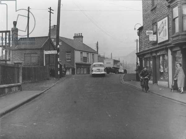 Caroline Street railway crossing, Hetton-le-Hole, Sunderland, UK, 1950-59 (b/w photo)