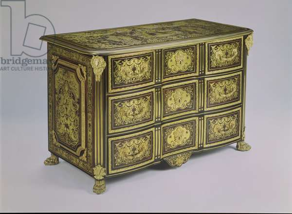 F408 Double bow-fronted commode, with three long drawers each of three panels, with ebony and Boulle marquetry and gilt bronze mounts, on lion's paw feet, the top is veneered with a panel of marquetry and inlaid with pewter