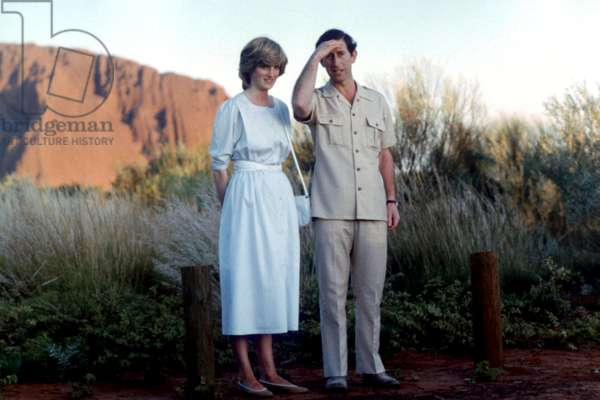 Prince of Wales family album - Prince Charles ( The Prince of Wales ) and Diana Princess of Wales at Ayers Rock in Australia March 1983 *** Local Caption *** 01143865