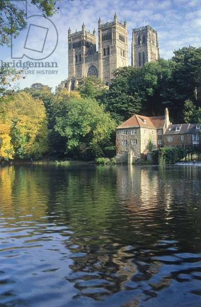 Great Britain, England, Durham, the towers of Durham Cathedral overlooking the River Wear