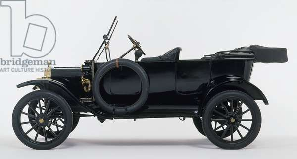 Black 1914 Model T Ford (USA), side view ©Dave King/Dorling Kindersley/UIG/Leemage