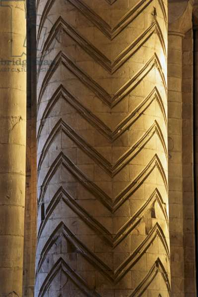 England, Country Durham, Durham Cathedral, chevron patterns on column, close-up