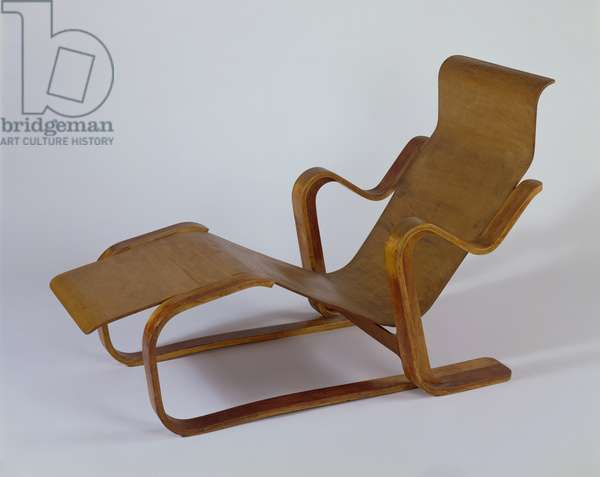 Isokon Long Chair, 1936 (laminated birch & upholstered plywood)