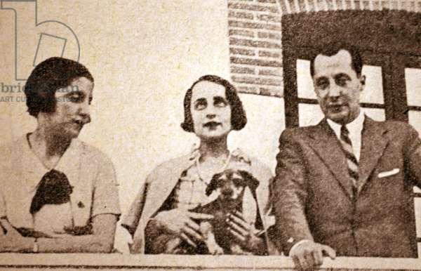 Spanish civil war: Jose Antonio Primo de Rivera With His sisters Carmen and Pilar