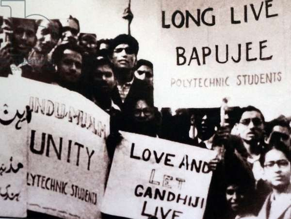 Students protest in support of a hunger strike by Mohandas Karamchand Gandhi