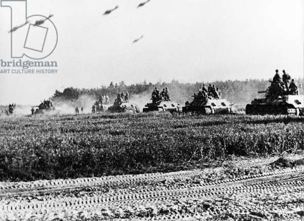 World War Ll, Battle of Kursk, Red Army T-34 Tanks Advancing During the Battle of Prokhorovka, at the Kursk Bulge