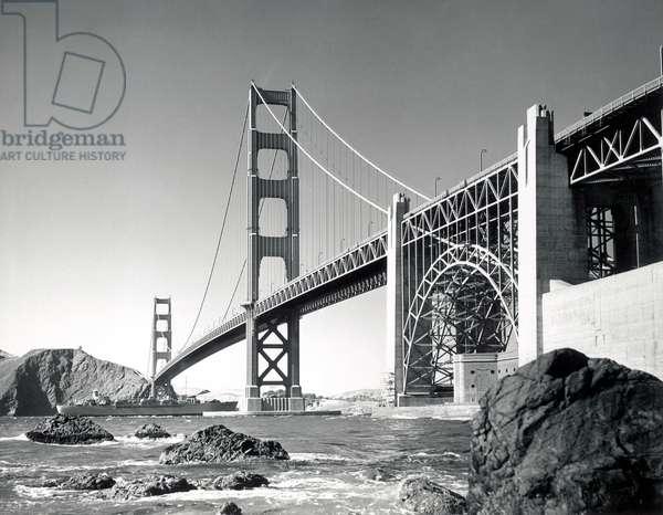 Golden Gate Bridge 1950, California (b/w photo)