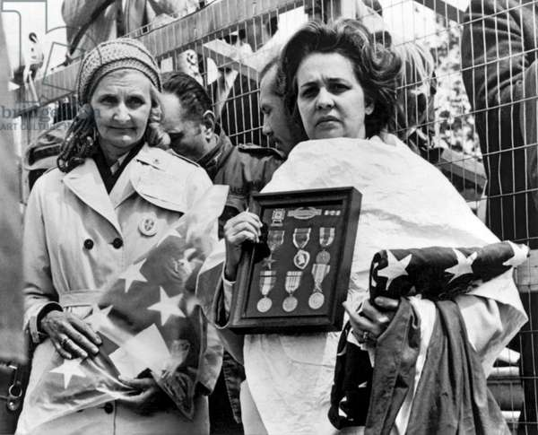 Gold Star Mothers Protest War
