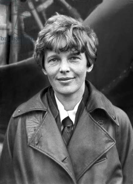 Aviatrix Amelia Earhart Putnam (b/w photo)