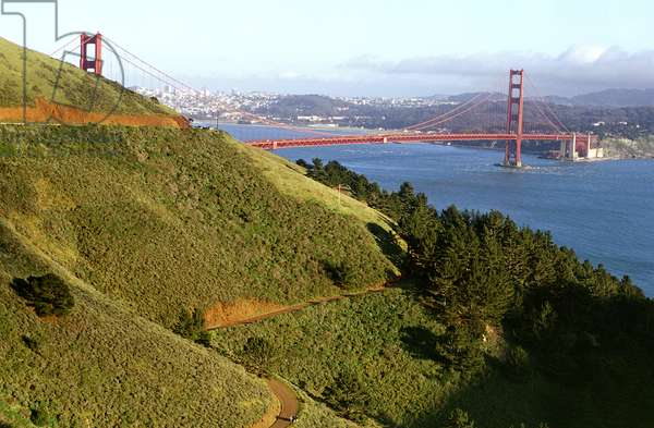 Golden Gate Bridge from Marin, San Francisco (photo)
