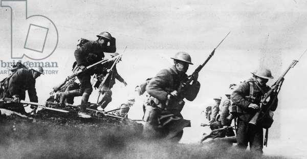 Canadian troops, 1916 (b/w photo)