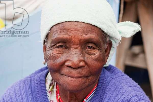 Old Black Woman, Otavalo, Imbabura, Ecuador (photo)