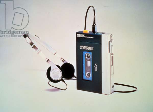 Sony stereo cassette player TPS-L2, the first low-cost portable stereo