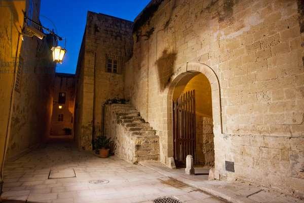 Gharreqin Gate at Night, Mdina, Malta (photo)