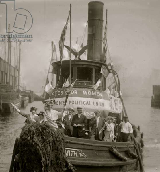 Suffrage Tug, Jersey City 1913 (photo)