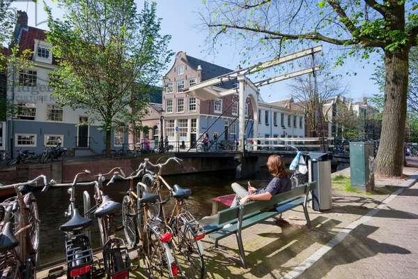 Bridge Over Groenburgwal, Amsterdam, Netherlands (photo)
