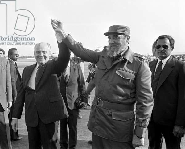 Mikhail Gorbachev And Fidel Castro At  Havana Airport