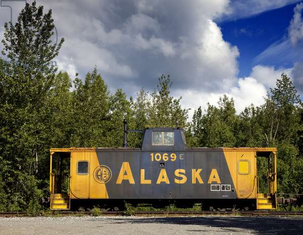 Old railroad box car, Alaska 2006 (photo)