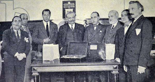 Spanish civil war: Jose Antonio attends the opening of the boxes containing documents