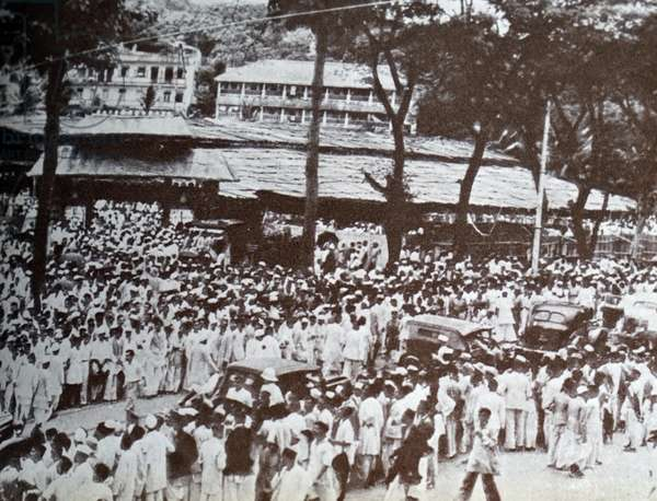Mohandas Gandhi was driven to Gowalia Tank Maidan, 1940