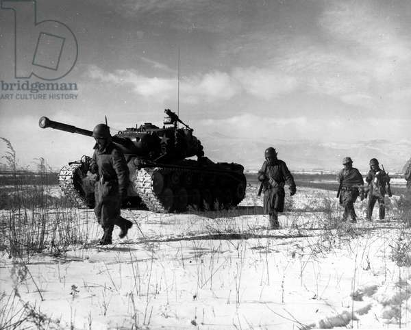 Battle of the Chosin Reservoir (b/w photo)
