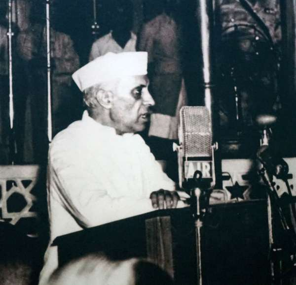 Indian Prime Minister Jawaharlal Nehru addresses parliament after Independence and partition 1947, India