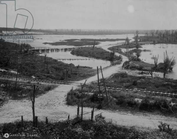 Clery-sur-Somme, 1916 (b/w photo)