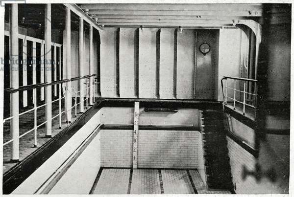 A photograph of the Swimming Bath on Titanic, the biggest of its kind on any vessel.  Titanic was built by Harland & Wolff in Belfast Ireland during 1910 - 1911, and sank on 15th April, 1912, after striking an iceberg off the coast of New Foundland during her maiden voyage from Southampton, England to New York, USA, with the loss of 1,522 passengers and crew. (Photo by Titanic Images/Universal Images Group) Photographie ©UIG/Leemage