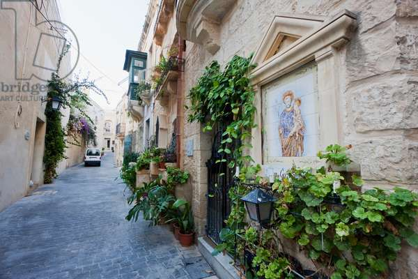 Image of St. Christopher on the Wall of A House, Rabat, Malta (photo)