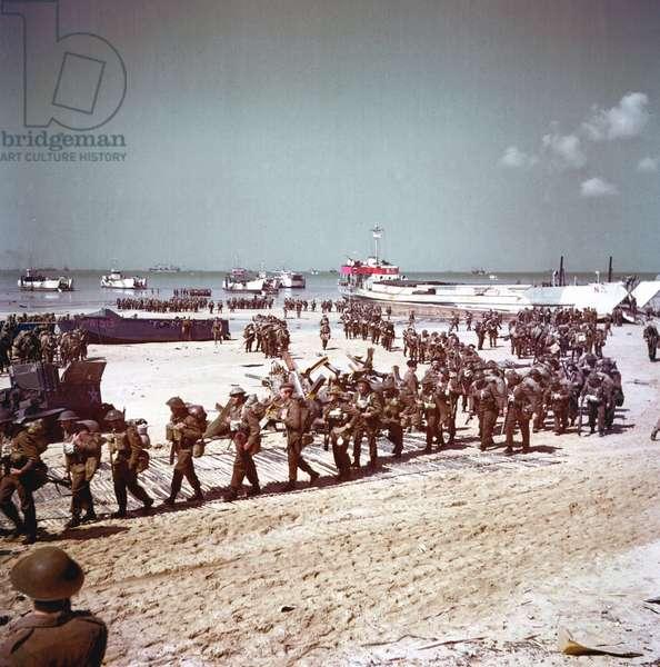 British soldiers at Juno Beach