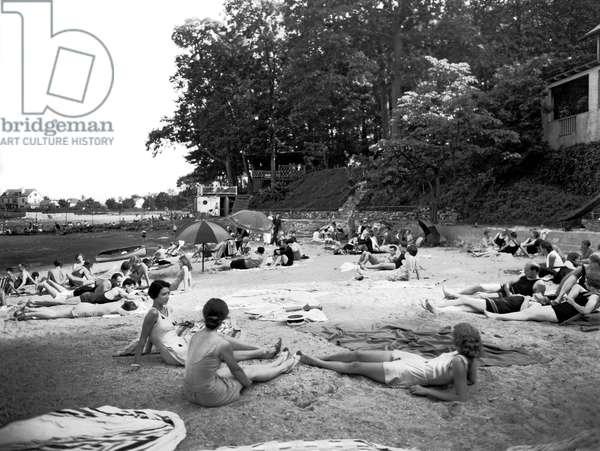 Beach At Shorewood Beach Club, 1930 (b/w photo)
