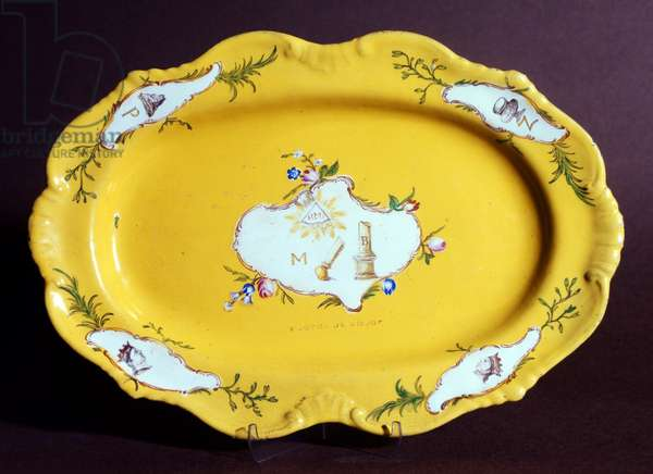 Marseilles' porcelain plate with masonic symbols