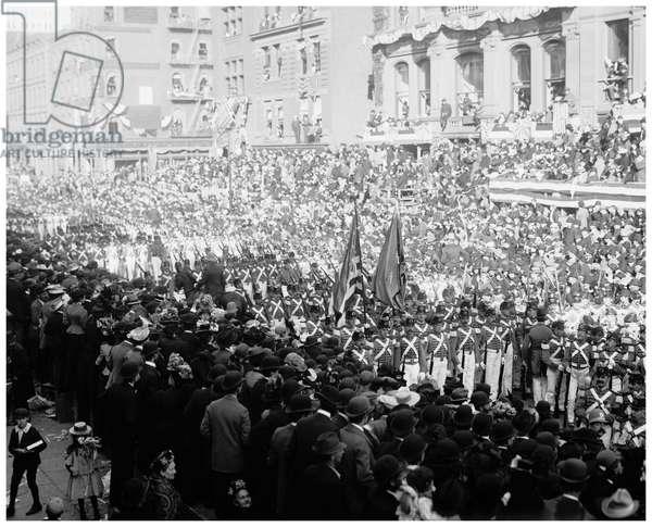 7th Regiment, New York National Guard, Dewey land parade (b/w photo)