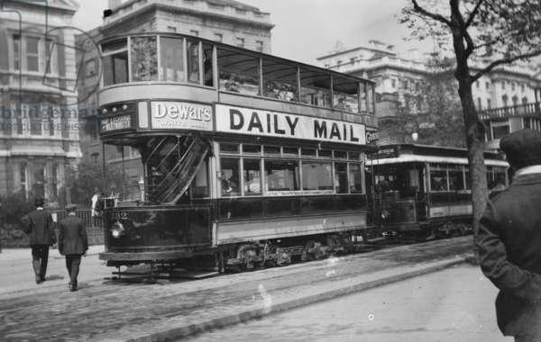 Double Decker London Tram Car (photo)