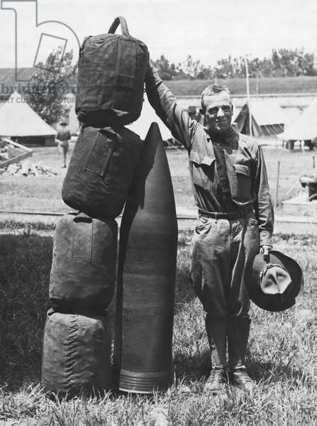 1070 Pound Projectile, United States, c.1917 (b/w photo)