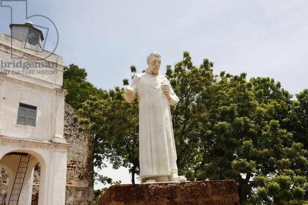 Statue of St Francis Xavier, St Paul's Church (photo)