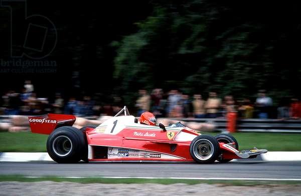 Niki Lauda driving a Ferrari 312T2, 1976 (photo)