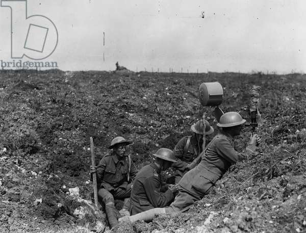 Signallers of the RGA, 1916 (b/w photo)