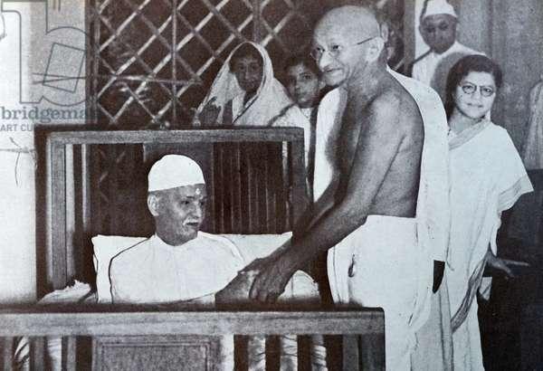 Gandhi with Pandit Malaviya in Delhi