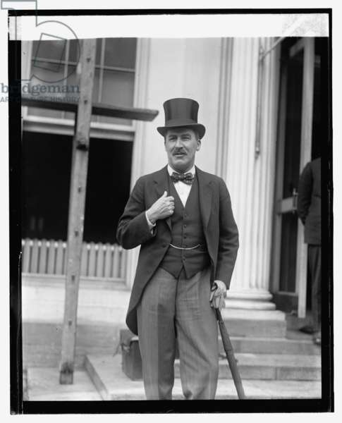 Archaelogist Howard Carter, who opened Tut's tomb in Egypt, 8th May 1924 (b/w photo)