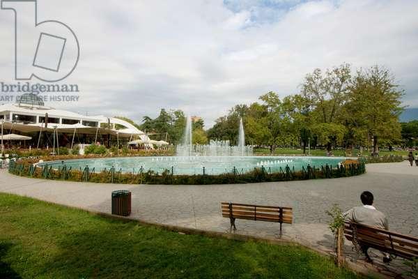 Fountain in the Tajvani (The Taiwan), Tirana, Albania (photo)