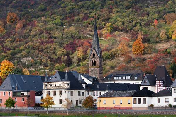 Hirzenach, as seen from the Rhine River, Rhineland-Palatinate, Germany (photo)
