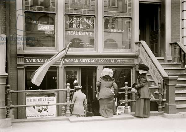 Offices of the National Woman's suffrage Association 1913 (photo)